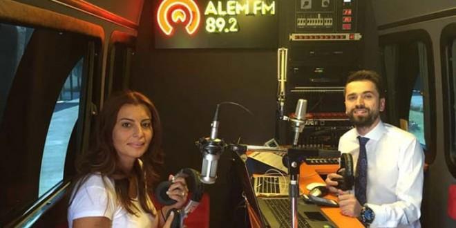 Gazeteci Hande Fırat katıldığı Alem FM'de gözyaşlarına hakim olamadı